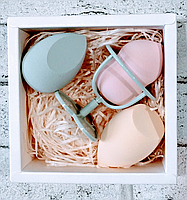 Набор из 3х спонжиков для макияжа с подставкой для хранения в подарочной коробочке
