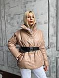Коротка шкіряна куртка під пояс об'ємна з коміром стійкою (р. 42-46) 501582, фото 6