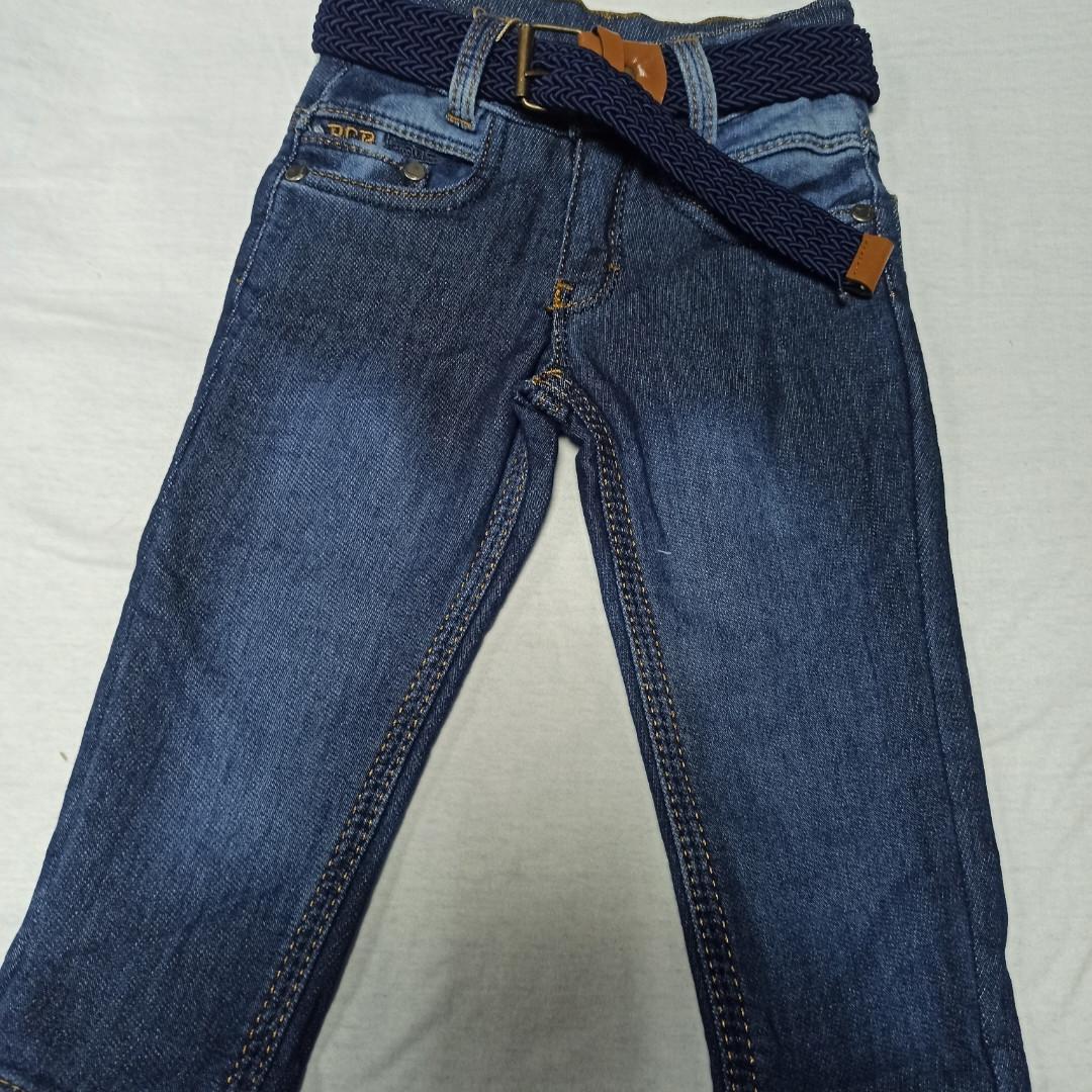 Джинсы демисезонные модные красивые оригинальные синего цвета для мальчика.