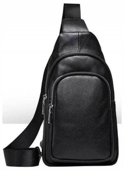Мужская сумка на одно плечо слинг из фактурной кожи черного цвета
