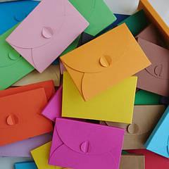 Подарочные конверты и декор