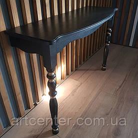 Приставной консольный стол черного цвета с золотыми элементами
