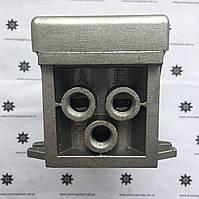 4F220-08  Пневмораспределитель с фиксацией