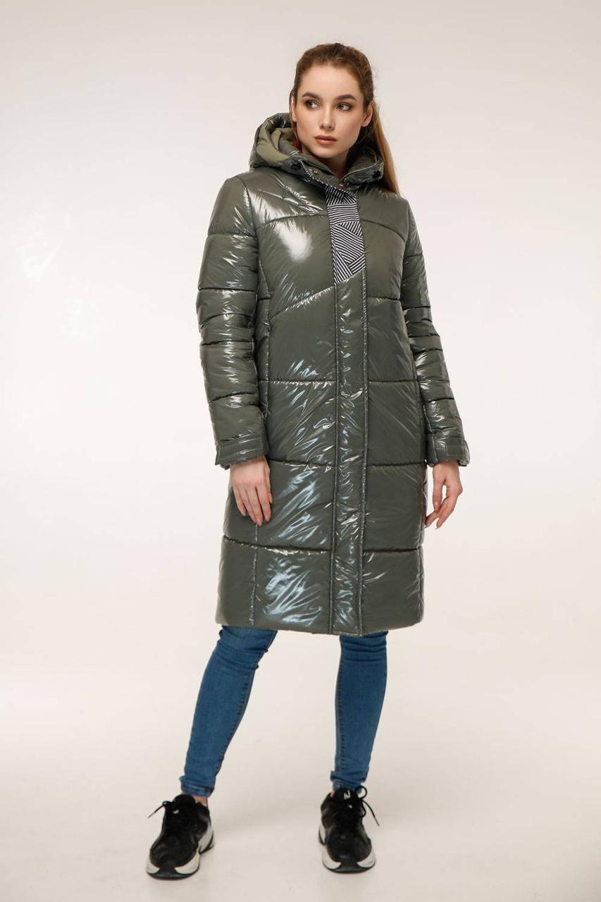 Зимовий стеганний пуховик з капюшоном напівприлягаючого силуету з 44 по 54 розмір