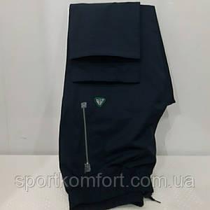 Спортивні чоловічі прогулянкові штани Соккер з плащової тканини дві кишені на блискавці темно-сині прямі