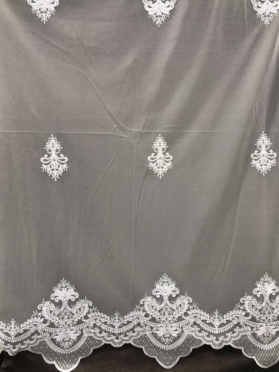 Елегантний  тюль з фатину з вишивкою білого кольору на метраж , висота 2.8 м(12013)
