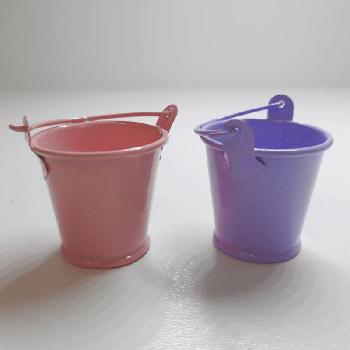 Кукольная металлическое ведро маленькое (высота 3 см)