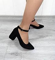 Замшеві туфлі на підборах коричневого кольору