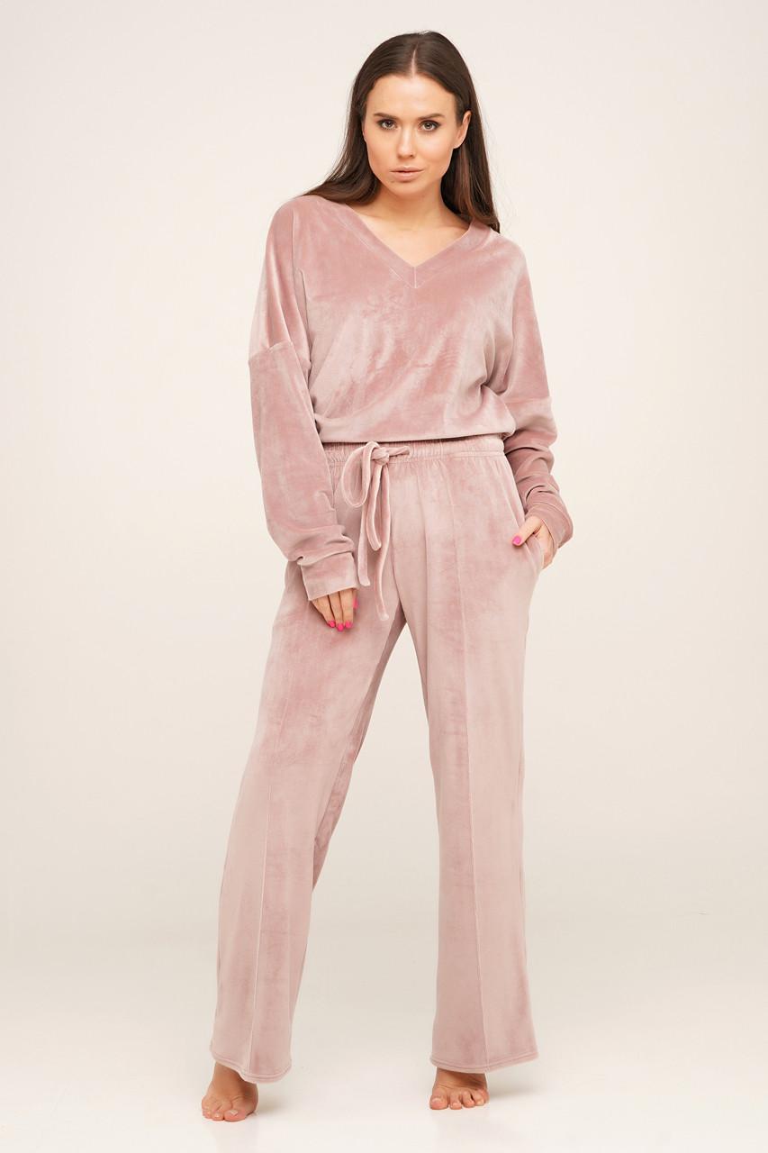 Молодежный розовый костюм для отдыха