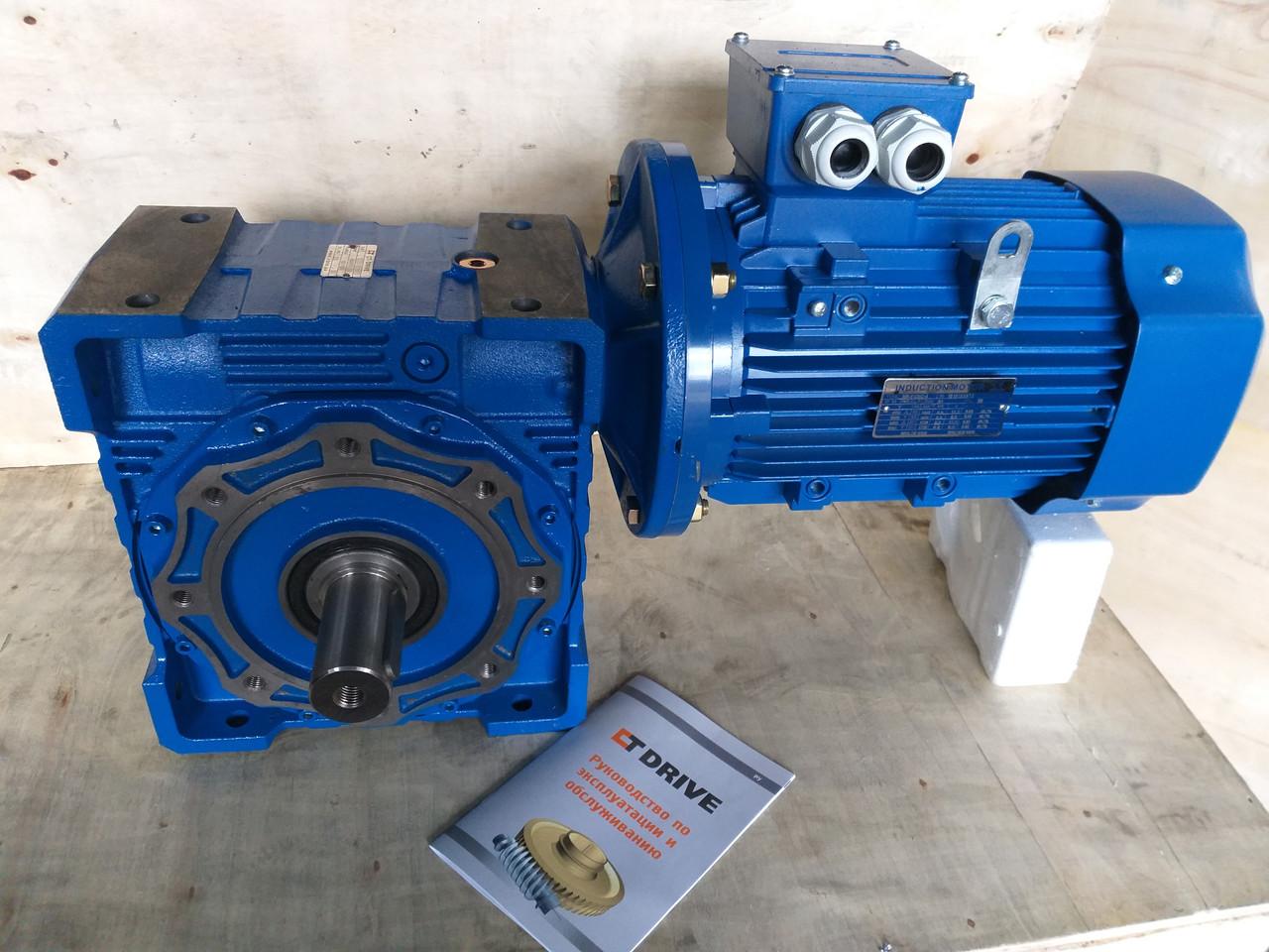 Червячный мотор-редуктор NMRV-90 1:10 с 5.5 квт 3000 об.мин  на выходе вала редуктора 300 об.мин