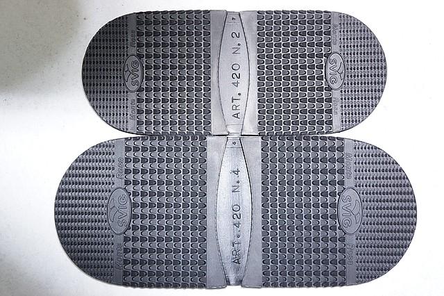 Набойка резиновая SVIG №420 р.4 т. 7,0 мм. черн. (Италия) (Италия)