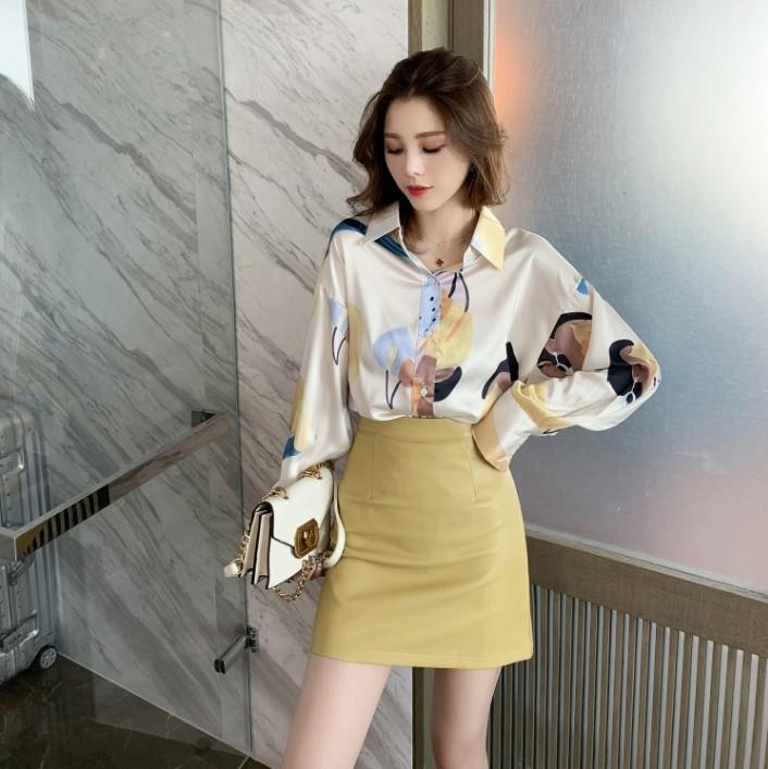 Свободная тонкая объемная шелковая блузка с длинным рукавом