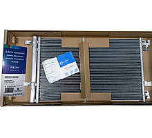 Радиатор кондиционера Круз 1.8 МКПП/АКПП с ресивером Luzar,  LRAC 0552