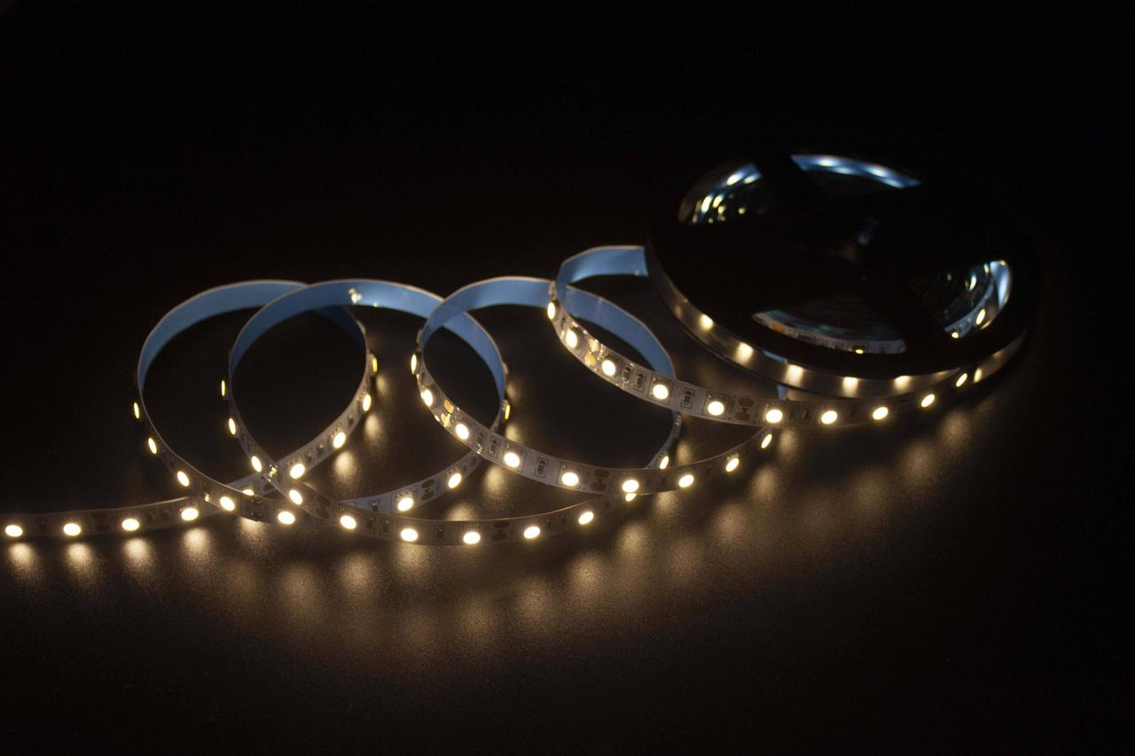 LED стрічка Skarlat LED LV-5050-60-IP44 3000K
