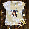 Жіноча футболка з принтом - Дівчина з шампанським