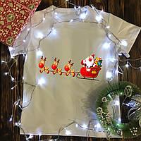 Мужская футболка с принтом - Санта с оленями