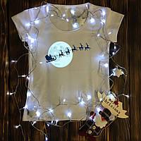 Женская футболка  с принтом - Санта с оленями на фоне луны