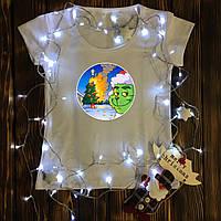 Женская футболка  с принтом - Гринч - палит ёлку