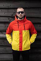 Мужская куртка красная с жёлтым осенняя