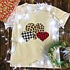 Чоловіча футболка з принтом - Тектурные Сердечка