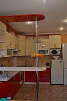 Кухня с барной стойкой, красная, белая,прямая, угловая