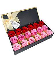 Подарочный набор с розами из мыла Sweet Love 18 шт (Красные и розовые)