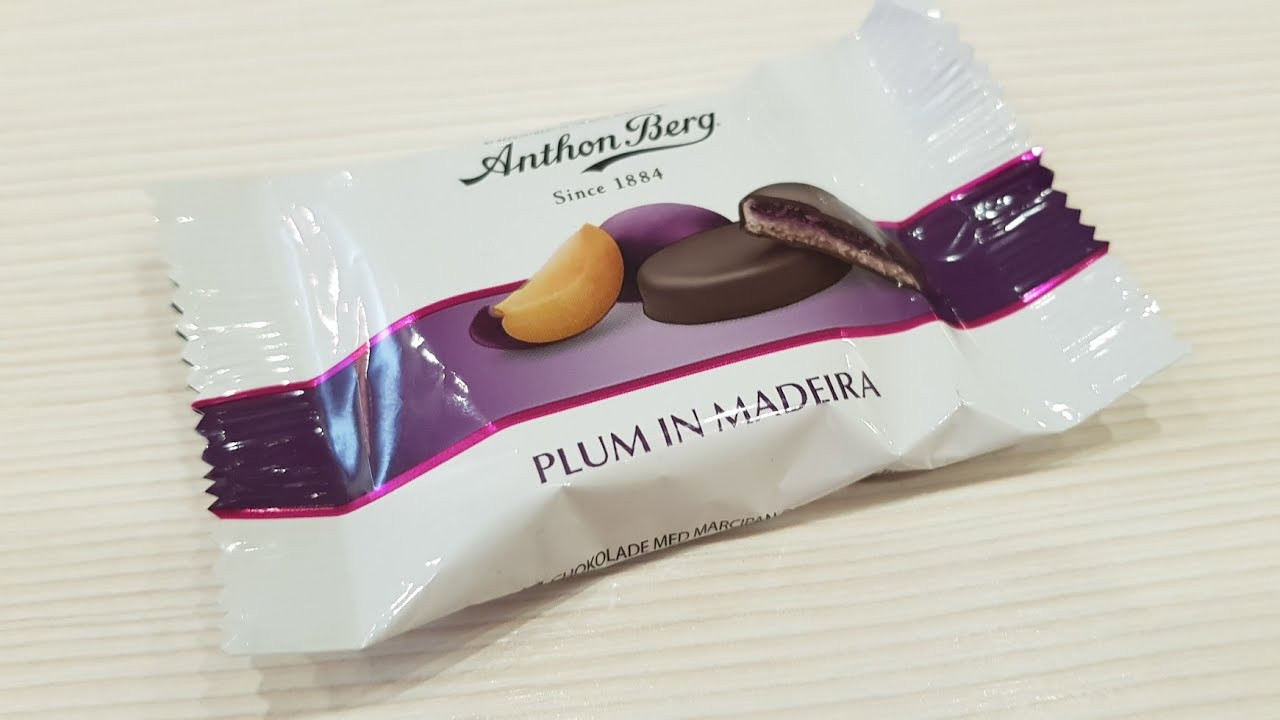 Марципан Anthon Berg Plum in Madeira 28 g