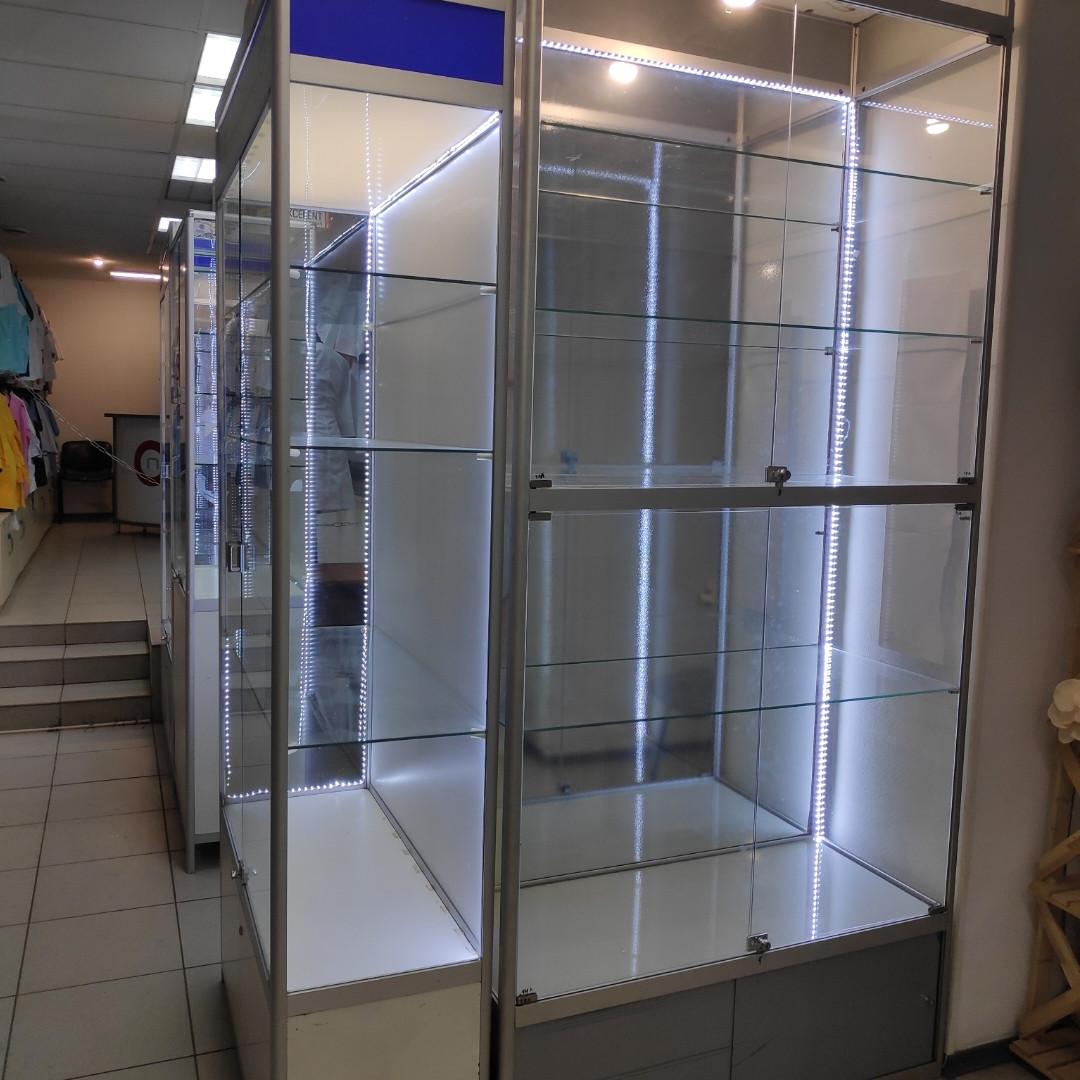 Стеклянные витрины 4 шт