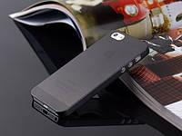 Пластиковый чехол для iPhone 5/5s черный
