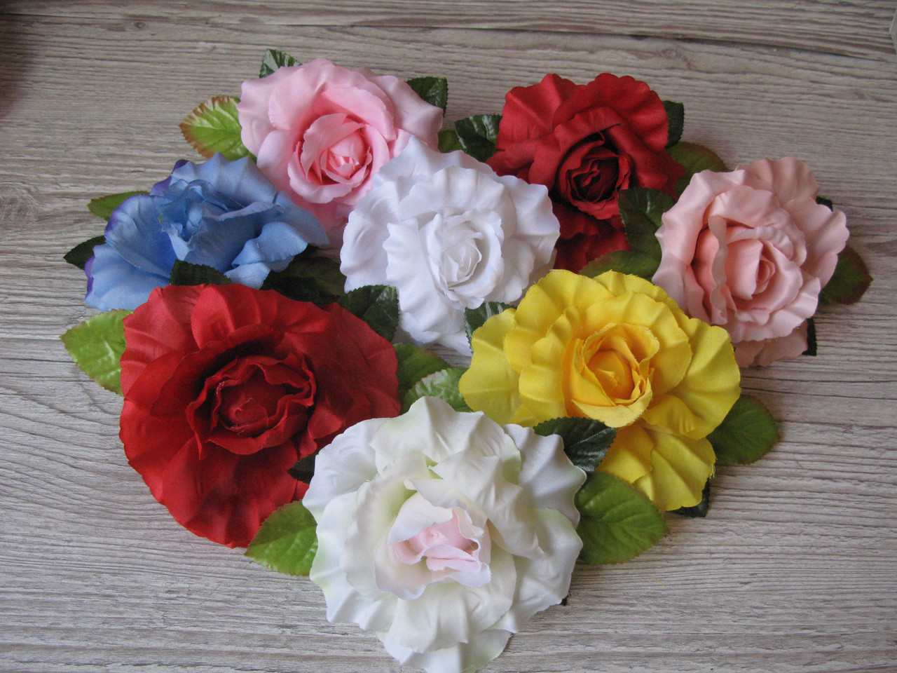 Розы из ткани молочный с розовой серединкой (головка без листьев) - 9 см
