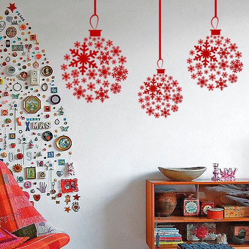 Новогодняя наклейка Шары из снежинок (виниловые, самоклеющиеся, снежинки, снег, шарики, новый год)