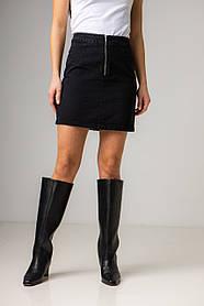 Короткая джинсовая прямая юбка на молнии в размерах: S, M, L, XL.