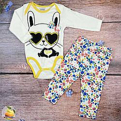 """Дитячий боді з жовтою окантовкою і штанці """"Зайчик"""" Розміри: 3,6,9,12 місяців (01429-2)"""