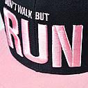 Кепка снепбек RUN с прямым козырьком Черно-розовая, Унисекс, фото 5