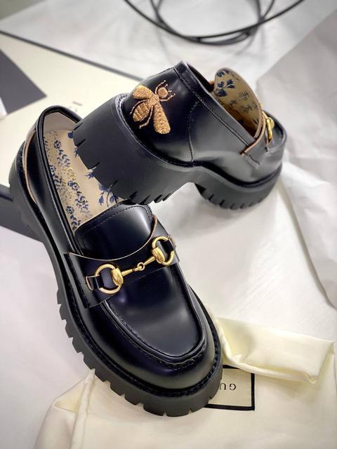 Туфли, лоферы, мюли мировых брендов