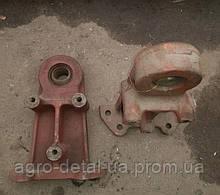 Кронштейн 74.40.412-1 управления со вставкой трактора Т 74