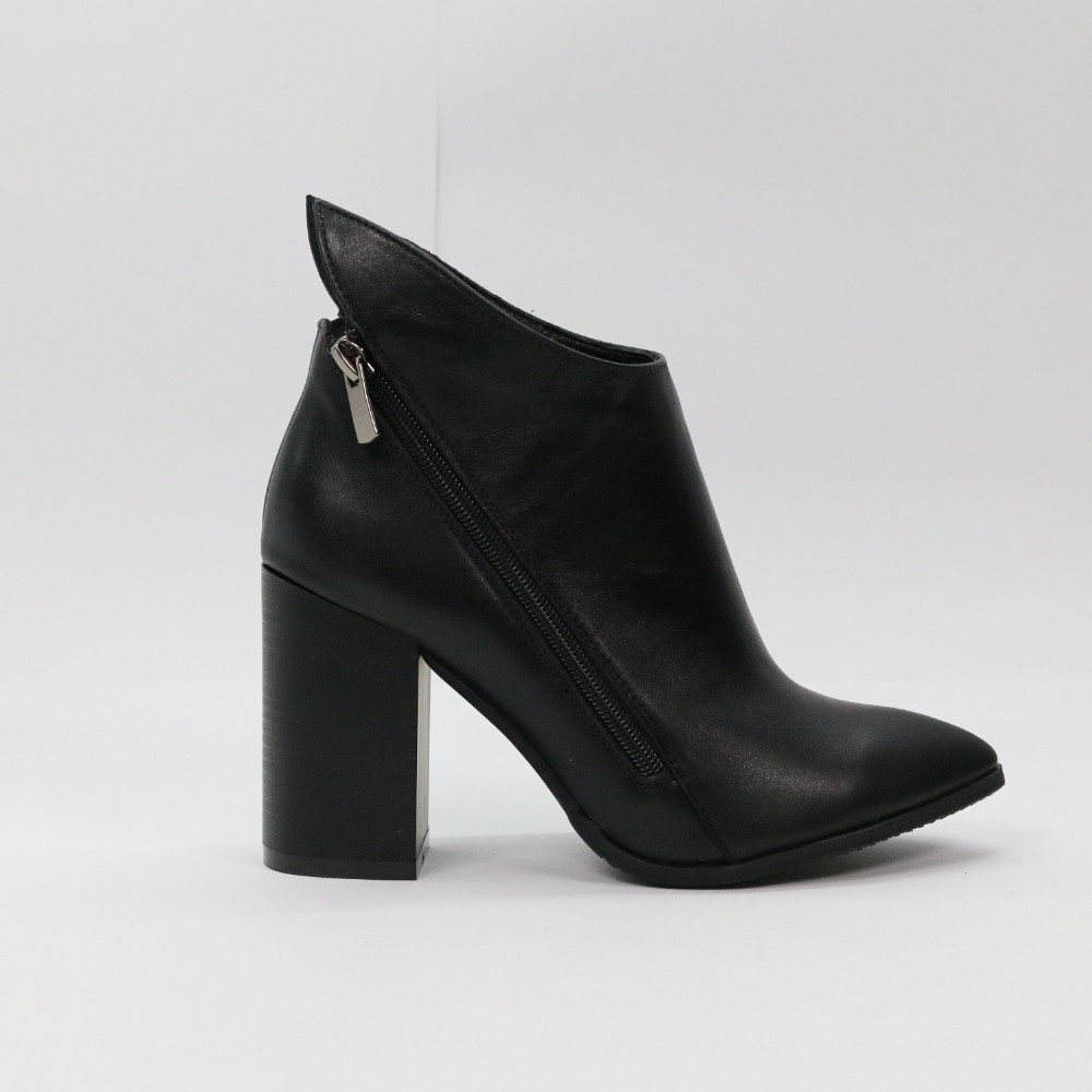 Ботинки женские натуральная кожа черные на каблуке 9 см Деми