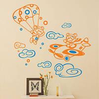 Виниловая интерьерная наклейка в детскую комнату Мишки парашютисты (медведи, декор на стену, самоклеющаяся)