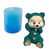 Молд 3D Ведмедик сидячий з сердечками 8,5 см для шоколаду