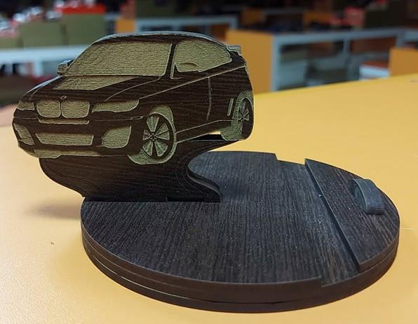 """Дерев'яна підставка для телефону """"BMW"""""""