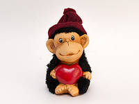 Фигурка Обезьяна с сердечком керамика