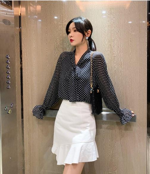 Блуза шовкова чорна в горошок