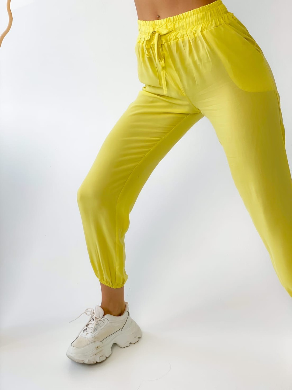Супер стильные спортивные женские штанишки с накатом BEBI, разные цвета, р.42-44,46-48 Код 300Э