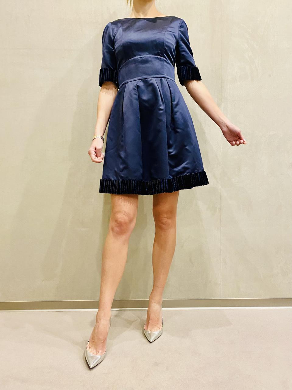 Платье коктейльное короткое темно синее с коротким рукавом молодежное