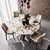 Дизайнерські столи з мармуру.