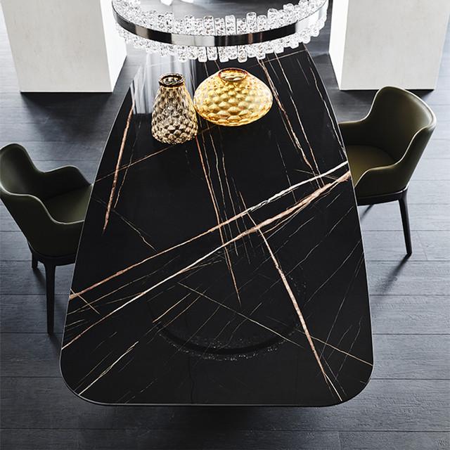 Кухонний стіл з чорного мармуру