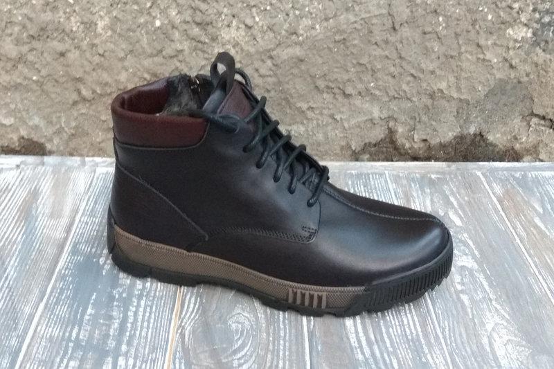 Зимові шкіряні черевики чорні VadRus