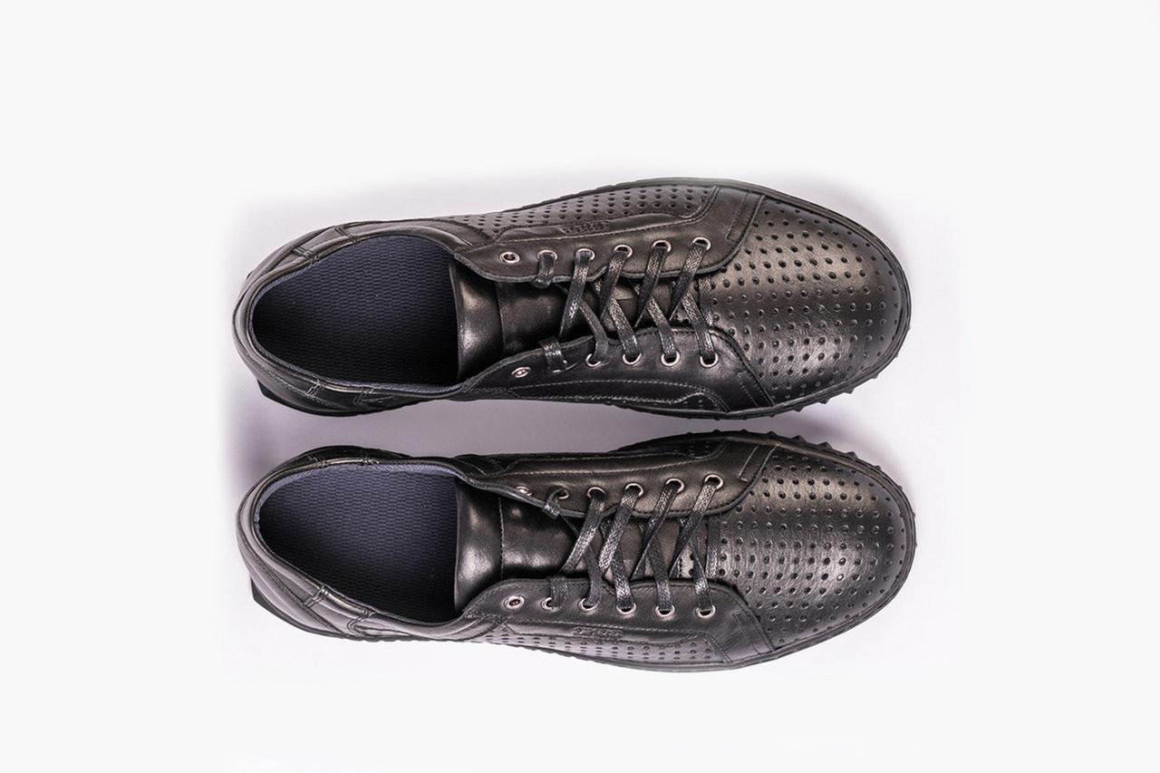 Кроссовки ІКОС черные