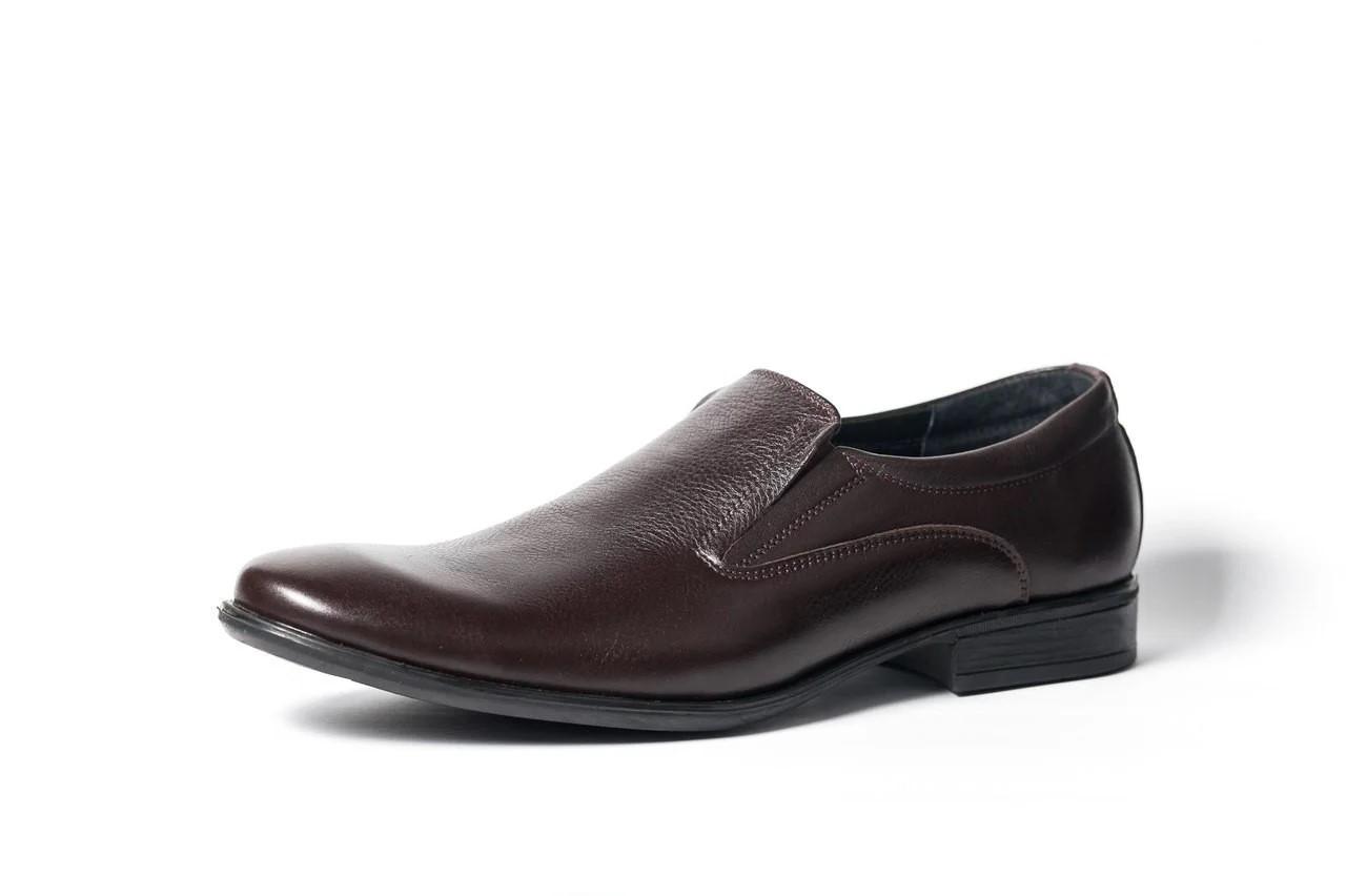 Туфлі коричневі.