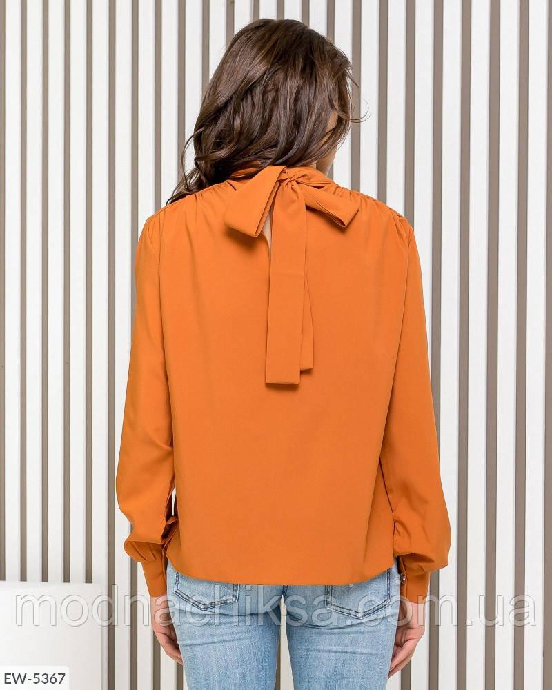 Блузка с бантом сзади